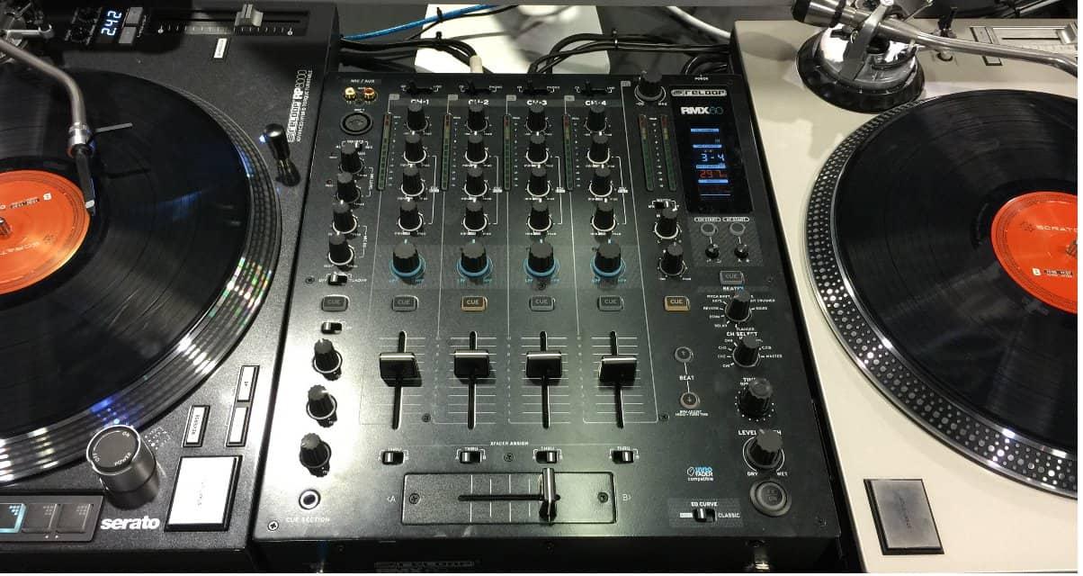 Namm 2015 2 nouvelles platines vinyle et une table de - Table de mixage vinyle ...