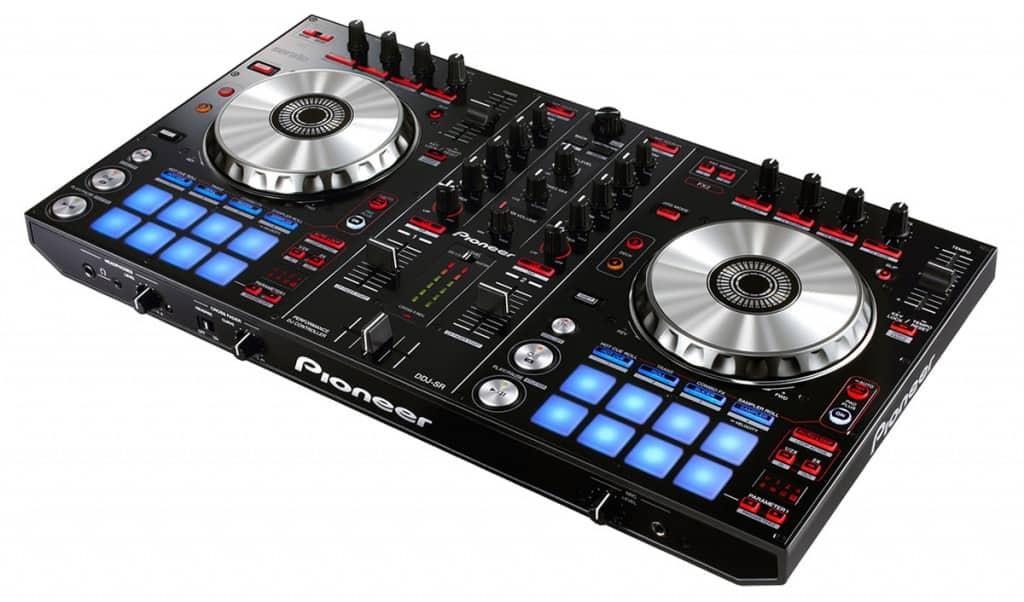 Les meilleurs contrôleurs DJ pour scratcher